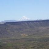 Desde el camino, el volcan Lanin