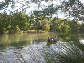 canoa en el río Colorado