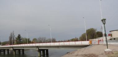 Puente vehicular de La Adela a Rio Colorado