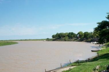 Costa del río San Javier en Saladero Cabal