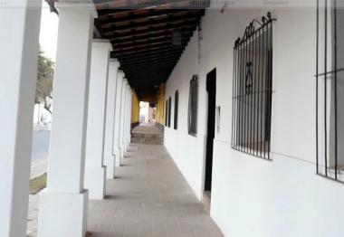Casa con galería de Coronel Moldes
