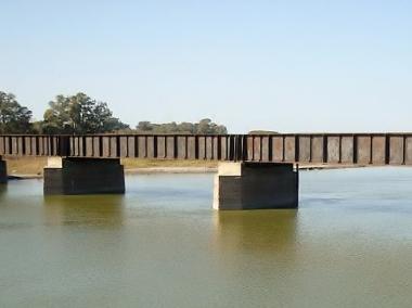 Puente sobre el río Salado