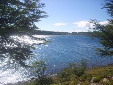 Lago Azul. Foto de Turismo Gobernador Roca