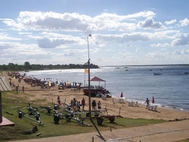 Playa Pelícano en Paso de la Patria