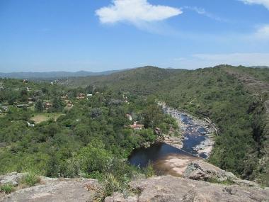 Río San Antonio pasando por Cuesta Blanca