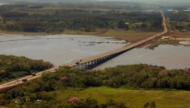 Puente sobre el arroyo Garupá