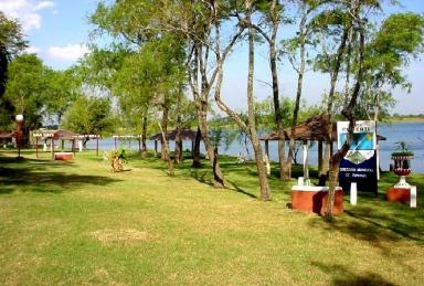 Balneario en laguna El Rincón. Caá Catí
