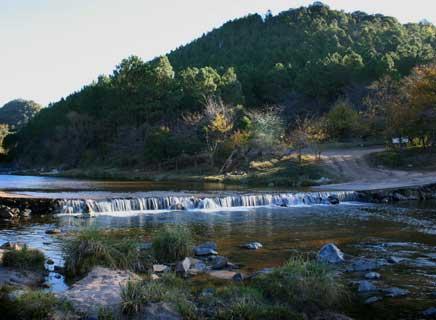 Vado sobre el río Talita en Alpa Corral