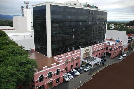 Hotel hecho sobre un edificio histórico