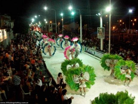 Carnaval en Villa Angela