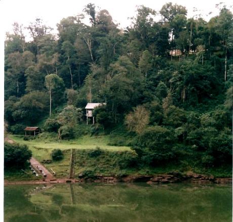costa del río Paranay Guazú