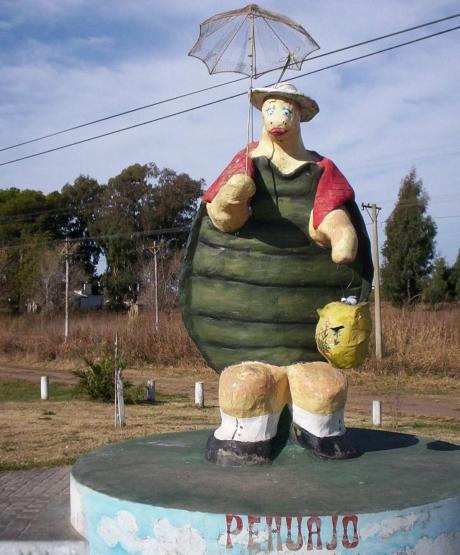 Pehuajó. Monumento a Manuelita la tortuga